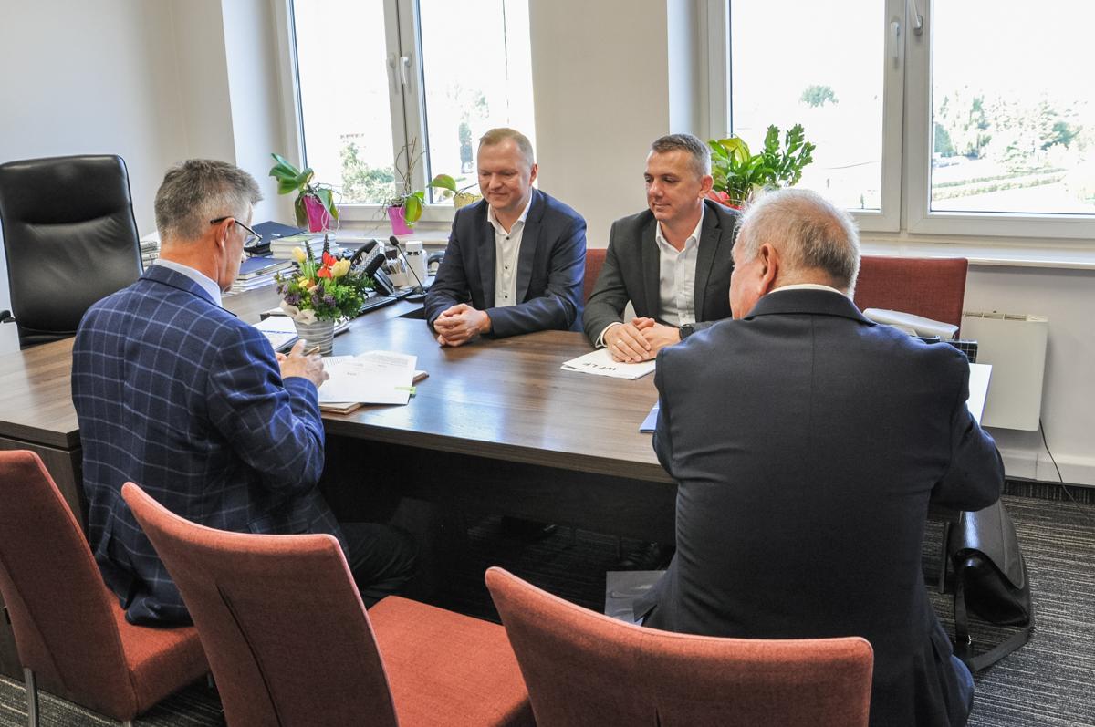 Podpisano umowę na rozbudowę Domu Pomocy Społecznej w Górnie