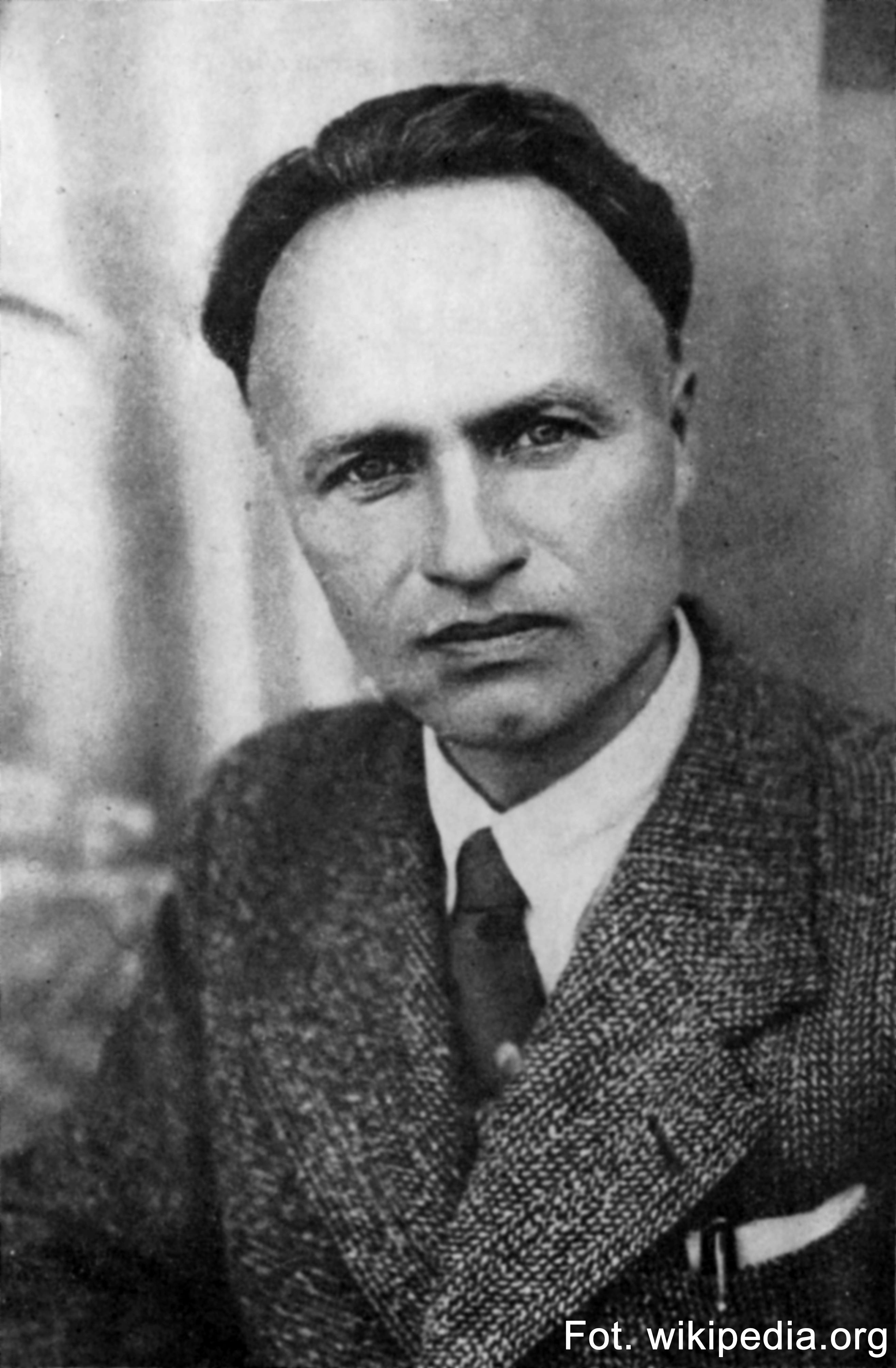 6.10.1970 - Zmarł Julian Przyboś, poeta, eseista, teoretyk literatury, pochodzący z Gwoźnicy koło Niebylca (w przedwojennym powiecie rzeszowskim).