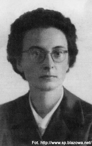 6.10.1972 - Złotym Krzyżem Zasługi odznaczona została, pochodząca z Błażowej, Anna Jenke - instruktorka harcerska, nauczycielka, wybitna działaczka społeczna. Obecnie toczy się jej proces beatyfikacyjny. Jest patronką m.in. gimnazjum w Błażowej.